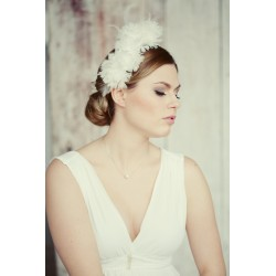 Bridal headband made from feathers