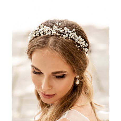 Wedding pearls crown