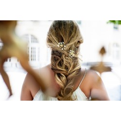 Handcrafted wedding pearls hair pins