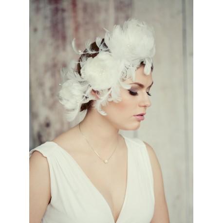 Royal feathers flower veil