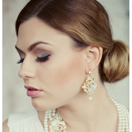 Wedding stud pearls earrings