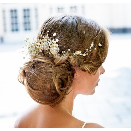 Couture bridal hair accessory