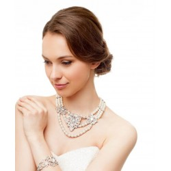 Victorians style bridal pearls necklace